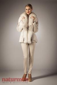 Светлая норковая куртка, цвет крестовка