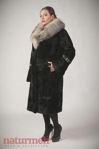 Мутоновая шуба, воротник - чернобурка